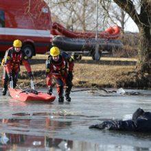 Nelaimė Ignalinos rajone: ežere įlūžo žmogus
