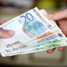 """Apsimetėlė """"Sodros"""" darbuotoja iš šiauliečio išviliojo 1,5 tūkst. eurų"""