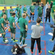 Salės futbolo rinktinės žaidėjai atrinkti, bet komanda vis dar be trenerio