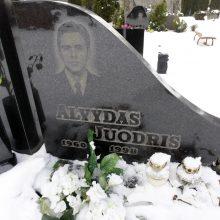 Pavardė: klaipėdiečiai, lankydami artimųjų kapus Lėbartų kapinėse, net neįtaria, jog galbūt praeina pro išskirtiniais nusikaltimais pagarsėjusio žmogaus kapą.