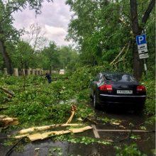 Maskvoje praūžus uraganui žuvo aštuoni žmonės