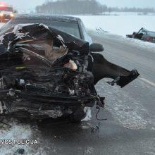 Po susidūrimo su pareigūnės automobiliu Rokiškio rajone sužalotas vyras neišgyveno