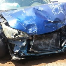 Klaipėdoje nuo kelio nuvažiavus automobiliui žuvo keleivis