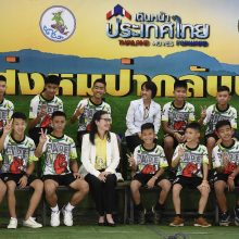 Iš urvo Tailande išgelbėti berniukai išrašyti iš ligoninės