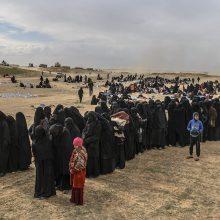 """Mirštantį IS """"kalifatą"""" palieka paskutiniai žmonės"""