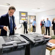 Olandai po išpuolio siaubo balsuoja provincijų rinkimuose