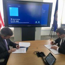 """Lietuva pasirašė sutartį su """"Microsoft Corporation"""""""