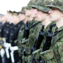 Daugėja jaunuolių, į kariuomenę šaukiamų privalomai