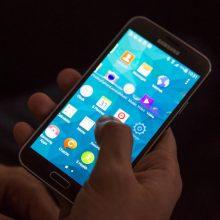 Išmaniųjų telefonų pardavimai pasaulyje krenta jau ketvirtą ketvirtį iš eilės