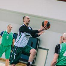 Trofėjus išsidalys krepšinio veteranai