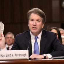 JAV Senatas pritarė, kad įvyktų galutinis balsavimas dėl B. Kavanaugh kandidatūros