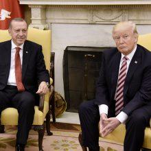 Turkijos ir JAV prezidentai aptarė idėją Sirijoje sukurti saugumo zoną