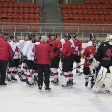 Lietuvos ledo ritulio rinktinė į Didžiąją Britaniją išvyko be šešių žaidėjų