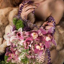 Dizainerė K. Rimienė sukūrė stilizuotą gėlių kuprinių kolekciją