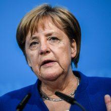Griežtoji mados kritikė A. Wintour negaili liaupsių Vokietijos kanclerei A. Merkel