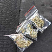 Dėl smurto atvykę policininkai surado narkotikų