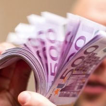 Ekonomistas apie lietuvių taupymą: Europos Sąjungoje mes tokie vieninteliai