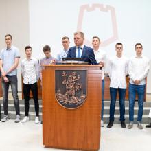 """R. Šimašius sveikino Eurolygos čempionais tapusį """"Lietuvos ryto"""" jaunimą"""