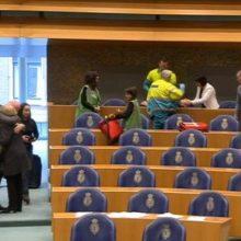 Nyderlandų parlamente iš balkono iššoko vyras