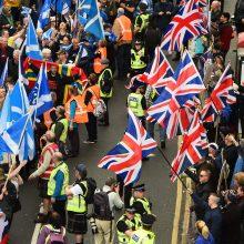Škotijoje – eitynės už nepriklausomybę: dalyvavo dešimtys tūkstančių žmonių