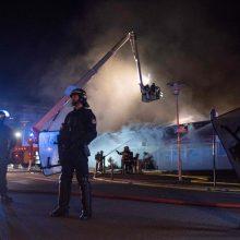Neramumai Prancūzijoje: policijai nušovus žmogų kilo riaušės