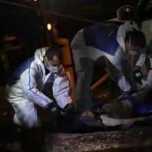Izraelio kariai nukovė autobusų stotelę taranavusį palestinietį