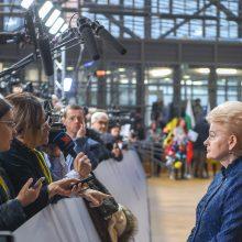 D. Grybauskaitė: JAV prekybos karas su ES – tik laikinai atidėtas