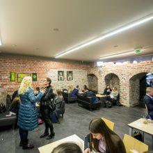 Sprendimas: gimnazijos priestate esančiame sename rūsyje įrengta kavinė moksleiviams.