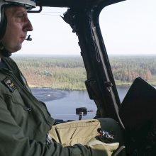 Kariuomenės sraigtasparniai toliau gesina gaisrus Latvijoje ir Švedijoje