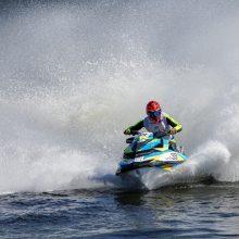 Olimpinis vicečempionas sės ant vandens motociklo