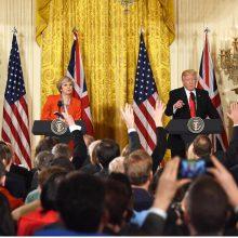 """D. Trumpas giria JAV """"ypatingus santykius"""" su Britanija"""