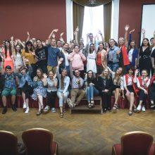 Vilniuje turistus pasitinka keli šimtai savanorių