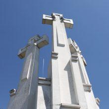 Trys kryžiai vėl atgims balta spalva