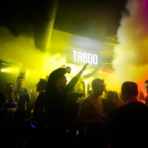 """Neoninė naktis klube """"Taboo"""""""