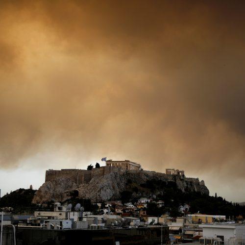 Graikijoje siaučia miškų gaisrai