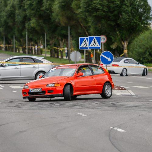Automobilių slalomo varžybos Klaipėdoje  © Vytauto Petriko nuotr.