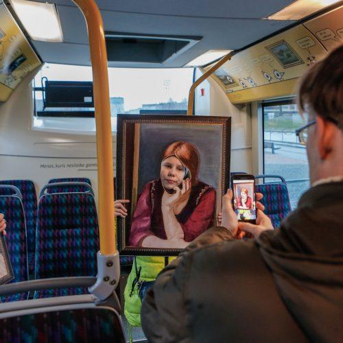 """""""Muzė veža"""" kūrybinės dirbtuvės autobusuose"""