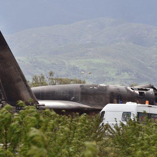 Alžyre sudužo kariuomenės transporto lėktuvas