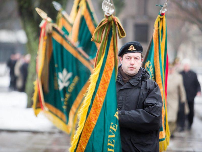 Pagerbė nežinomo kareivio kapą