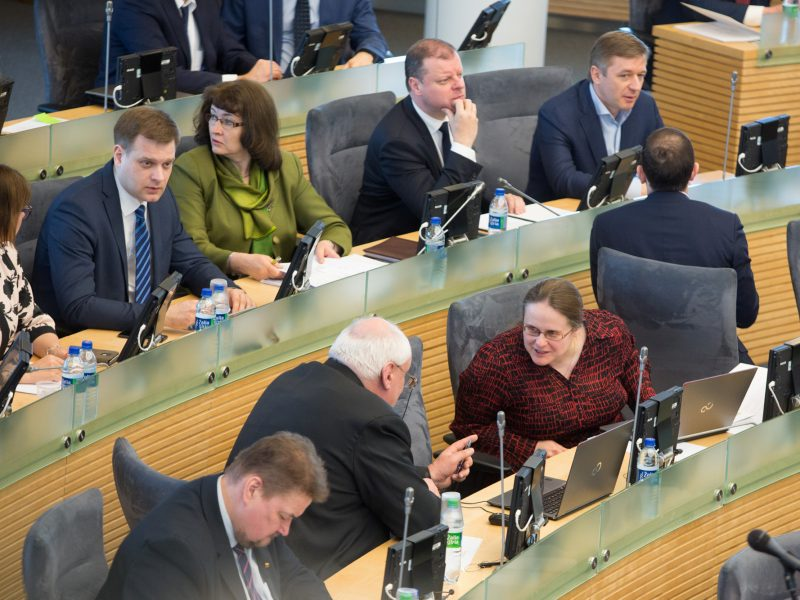 """""""Valstiečiai"""" žada naują siūlymą mažinti Seimo narių skaičių, šįkart – iki 121"""