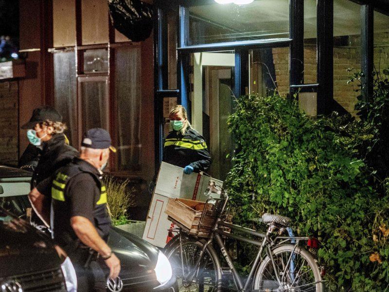 Olandijoje užkirstas kelias didžiulei teroro atakai su mirtininkų liemenėmis