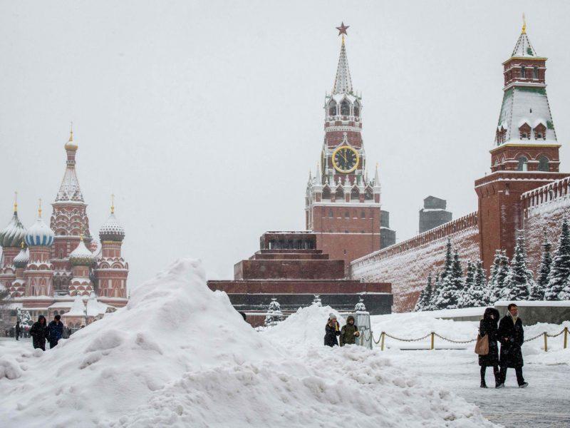 """Rusija grasina """"atsakomosiomis priemonėmis"""" dėl ES sankcijų"""