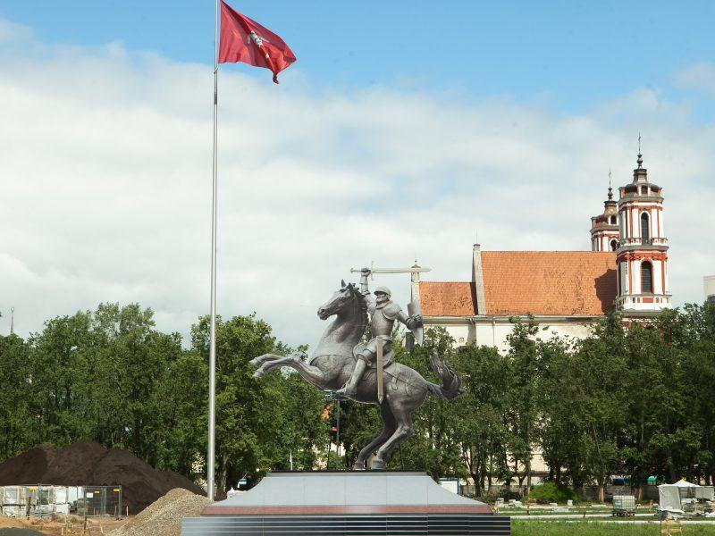 Seimas pritaria: Lukiškių aikštėje turi stovėti Vytis