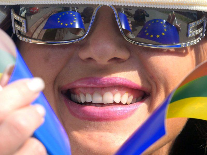 Lietuviai išlieka tarp didžiausių eurooptimistų
