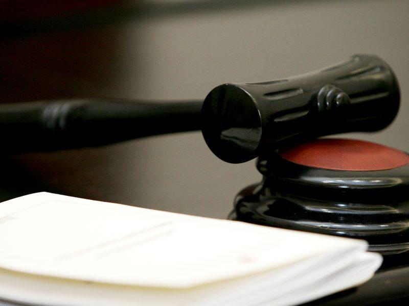 Valstybės garantuojamos teisinės pagalbos tarnybos vadovei nuobauda nepanaikinta