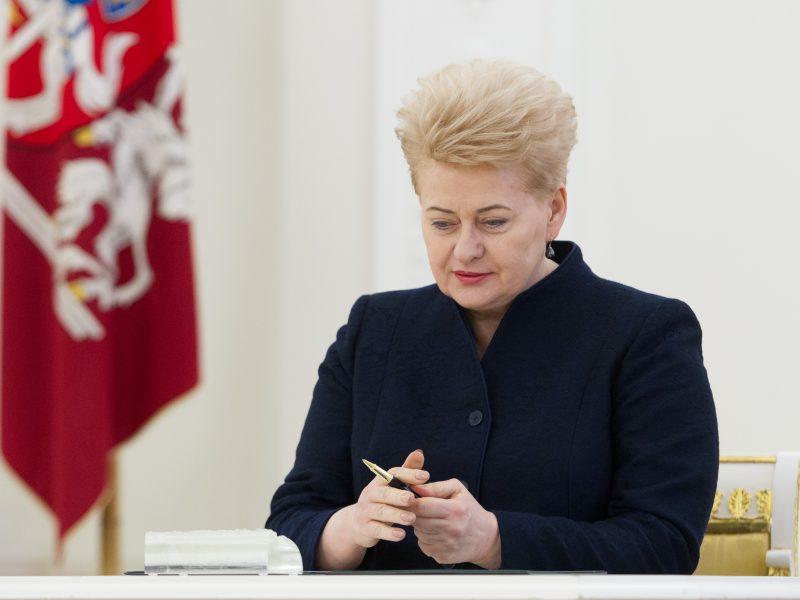 Prezidentė pasirašė pataisas dėl mokytojų etatinio apmokėjimo