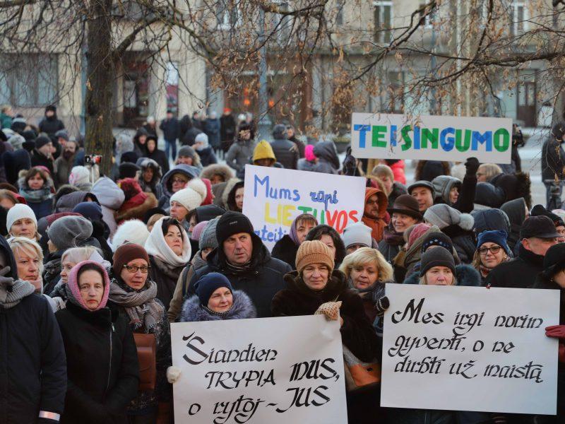 ŠMM: streikuojančiųjų reikalavimams įgyvendinti reikia 302 mln. eurų