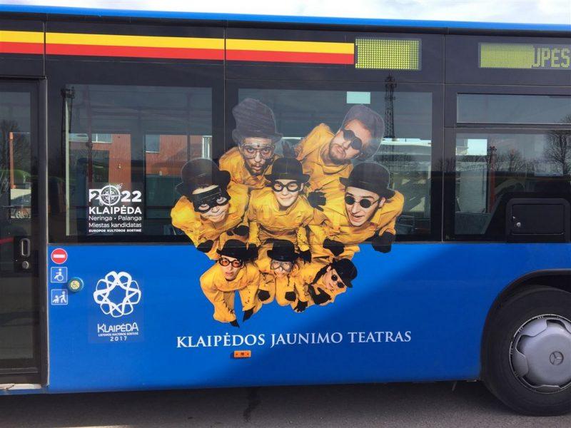 """Į Klaipėdos gatves išriedėjo """"kultūringi"""" autobusai"""