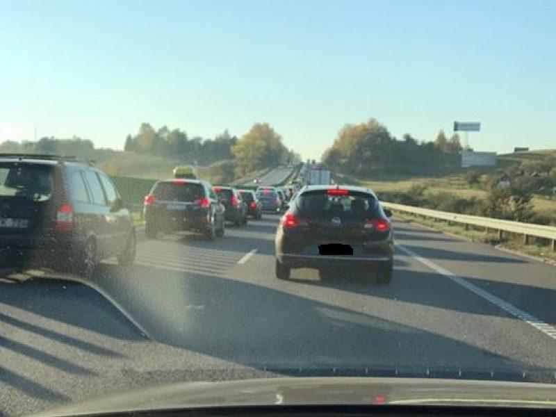 Kelyje Vilnius–Kaunas – atnaujintas eismas