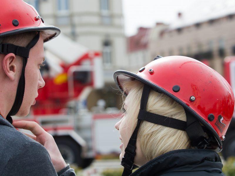 Naujausia apklausa: šalies gyventojai labiausiai pasitiki ugniagesiais gelbėtojais